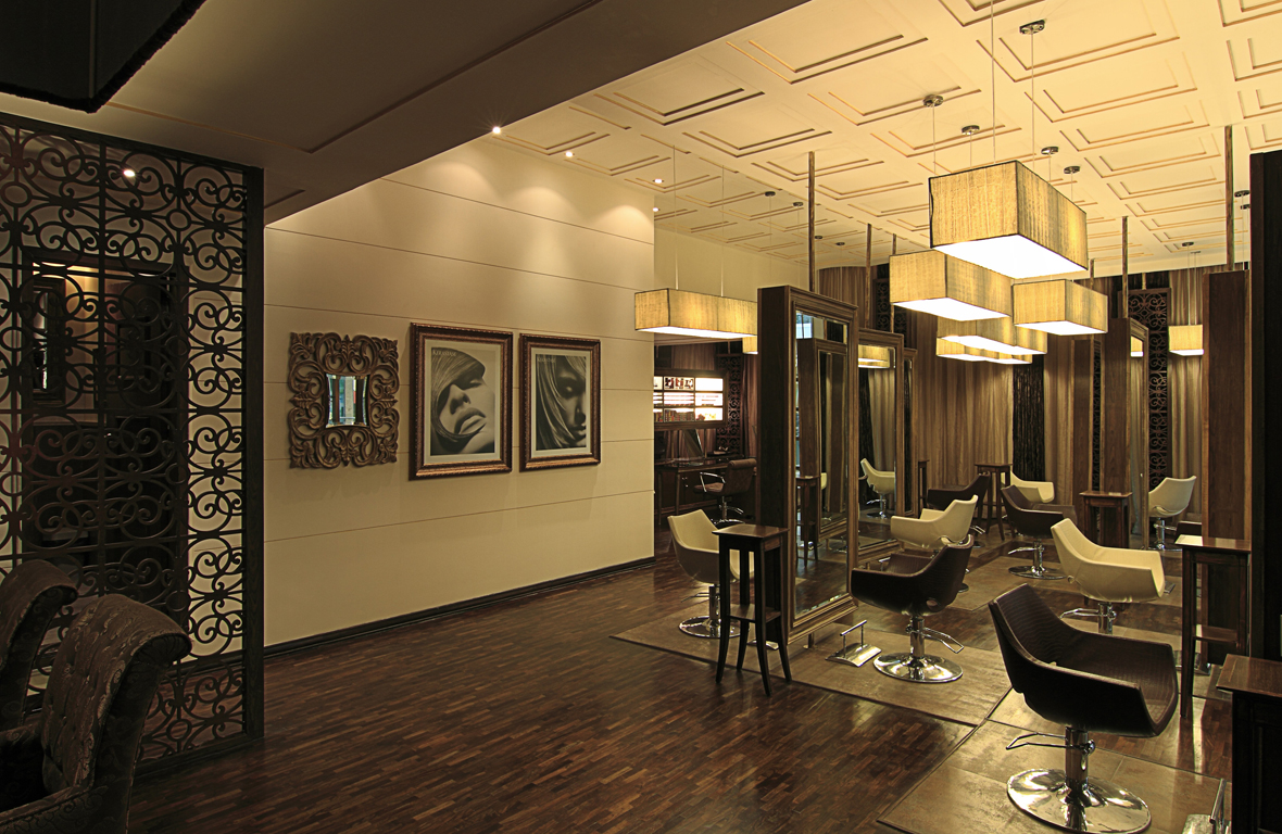 Play-Salon-Mantri-Square-Malleswaram-Interiors-1