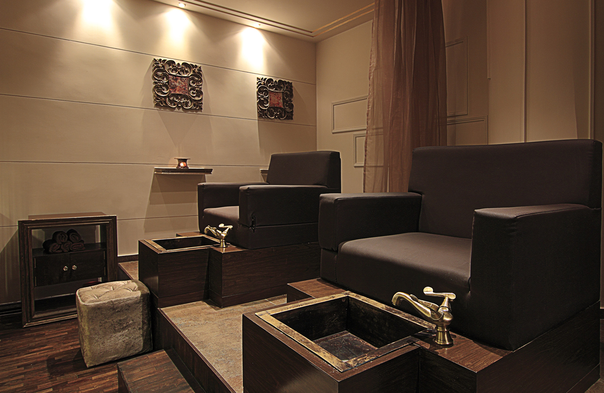 Play-Salon-Mantri-Square-Malleswaram-Interiors-5