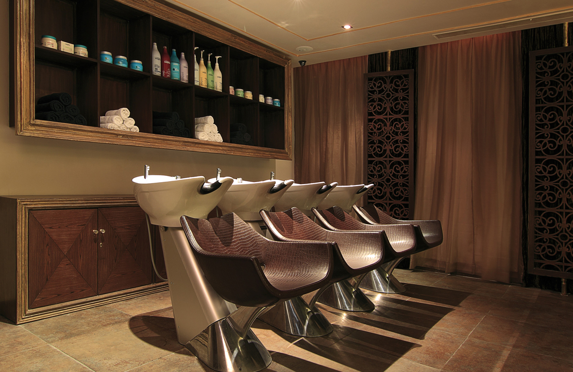 Play-Salon-Mantri-Square-Malleswaram-Interiors-6
